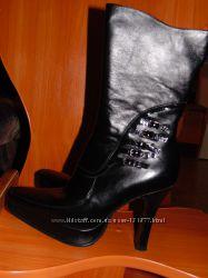 Ботинки демисезонные, натуральная кожа внутри и снаружи.