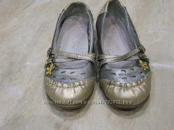 Суперові туфельки для дівчинки 26р 16, 4см в стані нових