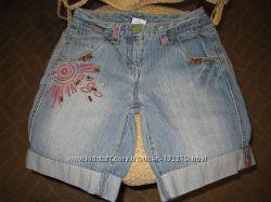 Распродажа  Фирменные джинсовые шорты  для девочки-подростка.