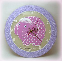 Рисованные настенные часы в детскую