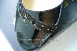 Кожаные лакированые босоножки - кожа сверху и внутри. Стелька 24, 5см