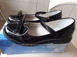 Лаковые школьные туфельки две модели  р 31-38