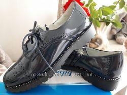 Стильные и качественные лаковые туфли броги в школу 32-37р