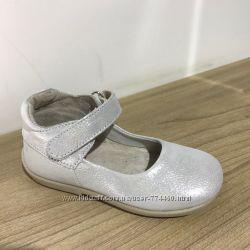 Туфли на девочку кожаные р20-25 Берегиня 2619 серебристый