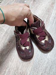 Ботинки Primigi 25 размер
