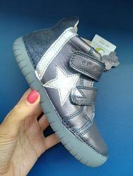 Ботинки для девочки с LED подошвой