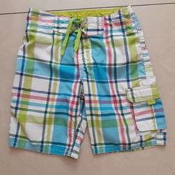 яркие шорты для плаванья H&M р 134-140