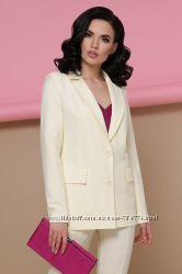 Женские классические пиджаки от 520 грн