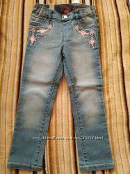 Childrens place джинсы-скинни с вышивкой, 5Т, новые