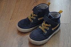 Ботинки для мальчика Carters р 9