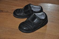 Туфли для мальчика  Stride Rite р.7,5 в хорошем состоянии
