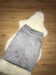 Серая юбка с карманами юбка миди под замш