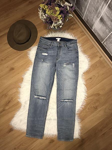 свободные джинсы с разрезами h&m бойфренды с потёртостями