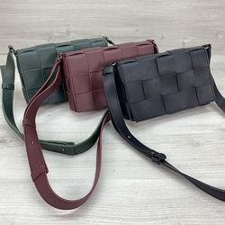 Женская  плетеная сумка кросс-боди черная бордовая зеленая