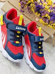 Стильные яркие детские кроссовки в наличии
