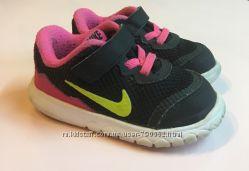Детские кроссовки Nike оригинал размер 22