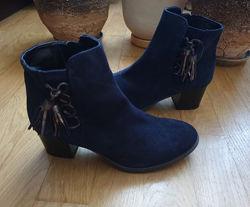 Замшевые синие ботинки 39 р