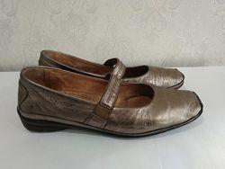 Женские кожаные туфли Gabor 38 р 25 см стелька