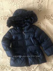 Демисезонное пальто на девочку марки United Colors of Benetton