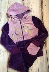 Велюровый спортивный костюм фиолетового цвета