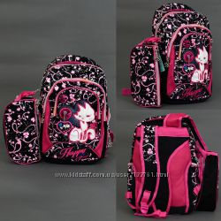 Рюкзак школьный 3 отделения, 2 кармана, пенал, спинка ортопедическая.