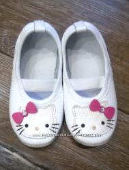 Белые кожаные чешки для девочек Hello Kitty, все размеры