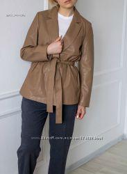 Куртка из искусственной кожи с ремнем от Zara