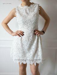 Кружевное приталенное платье Zibi London