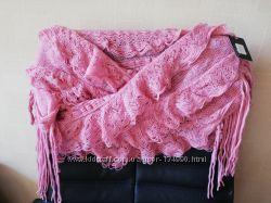 Ажурный розовый шарф шаль с бахромой