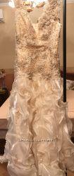 шикарное свадебное вечернее платье состояние Нового
