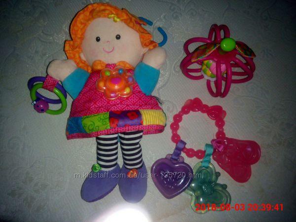 Фирменные игрушки для крошки