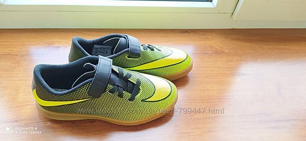 Крутые неоновые кроссовки Nike