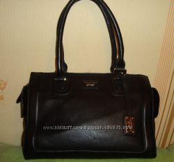 Элегантная сумочка Paul Costelloe кожа