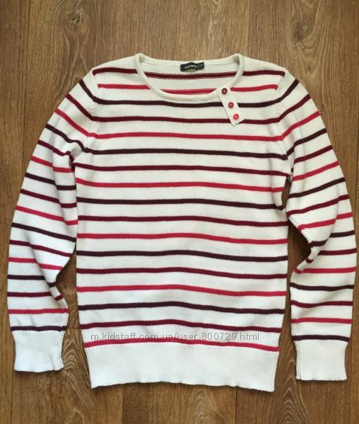 Теплый уютный свитер на девочку два раза надетый