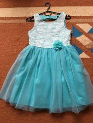 Платье нарядное, можно на полненькую девочку