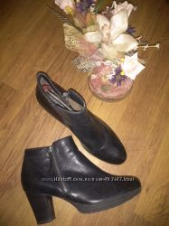Шкіряні черевики тamaris 41р
