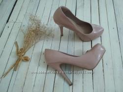 Стильные пудровые туфли new look