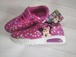 Красивые текстильные кроссовки Disney