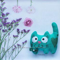 Интерьерная игрушка Кот глазастик зелёный