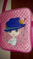 Отличная розовая качественная сумочка-планшет от Alba Soboni
