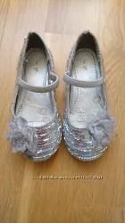 Блискучі красиві туфельки TU