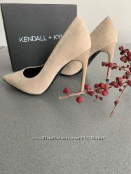 Туфли лодочки Kendall  Kylie серебро бежевые