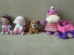 Доктор Плюшева, овечка Лемми, бегемотиха, щенок Доктора Плюшевой, сумочка.