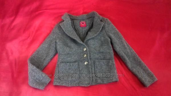 Шерстяное пальтишко на девочку 9-10 лет от TCM. Состав ткани 100  шерсть.