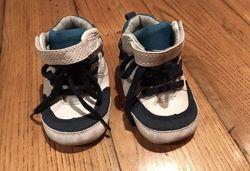 ПИнетки, стильные пинетки кроссовки сникерсы.