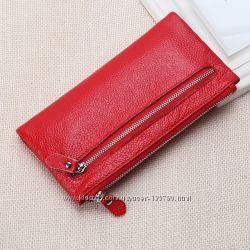 Красный кожаный кошелёк в наличии