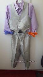Костюм серебристый и сиреневаяя рубашка 4-5лет