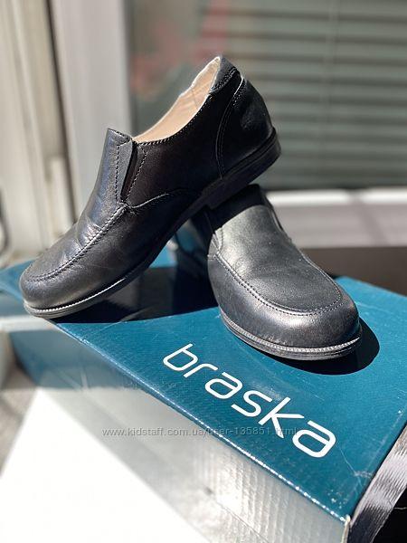 Туфли Braska 31р  школьные, нарядные, обуты 2 раза
