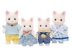 Sylvanian families семья белых котиков
