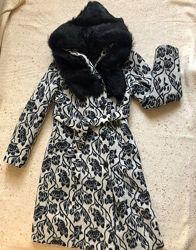 Шикарное зимнее пальто с натуральным мехом. 36р. S б. у.